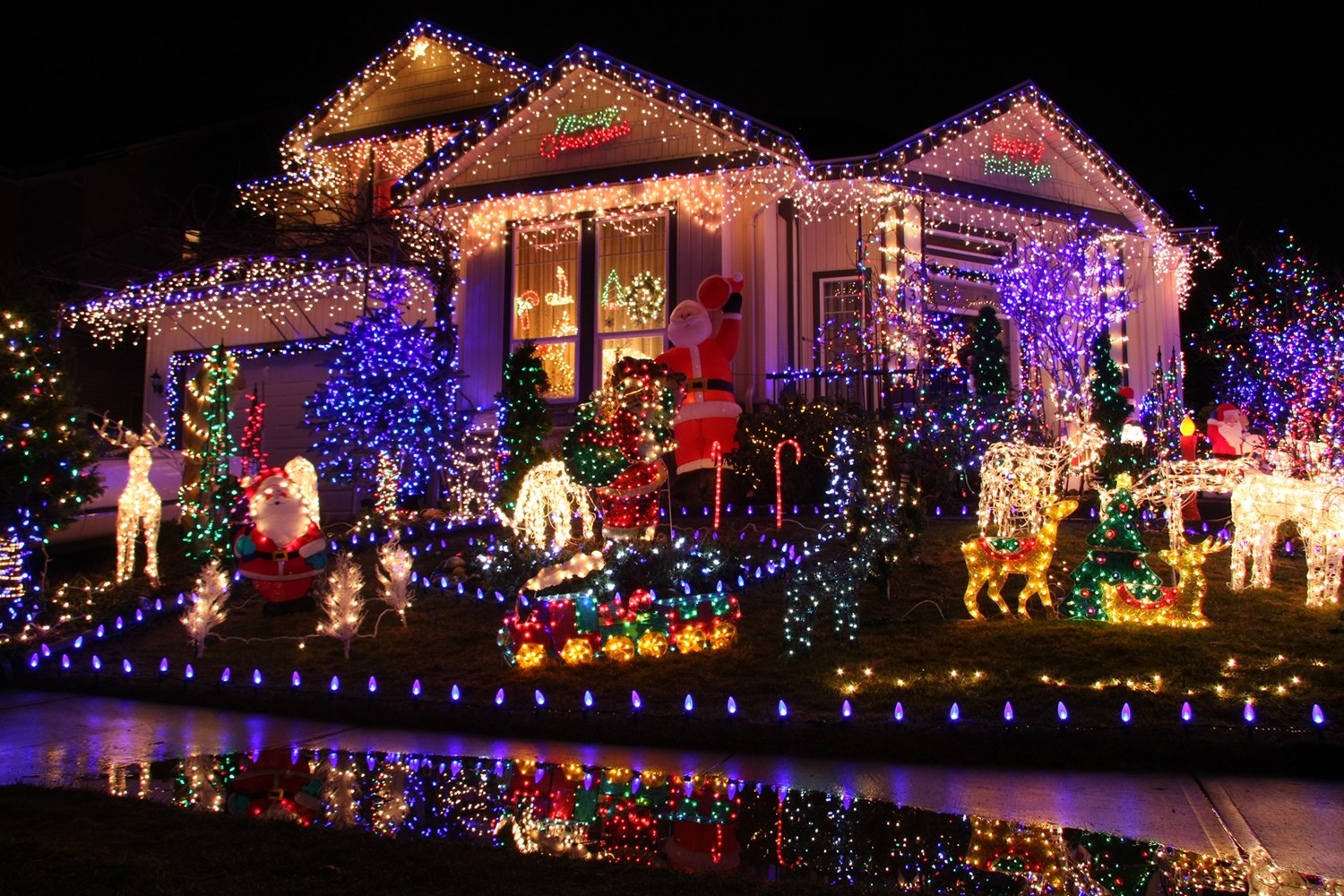 bigstock-Beautiful-Christmas-lights-dis-15284504